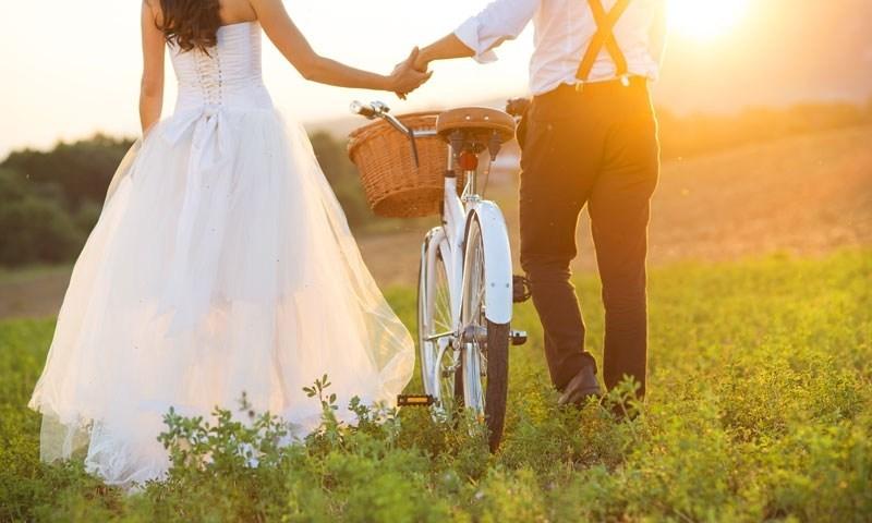 プロポーズに重きを置く私はおかしいでしょうか?お互い覚悟を決めて、両家に挨拶