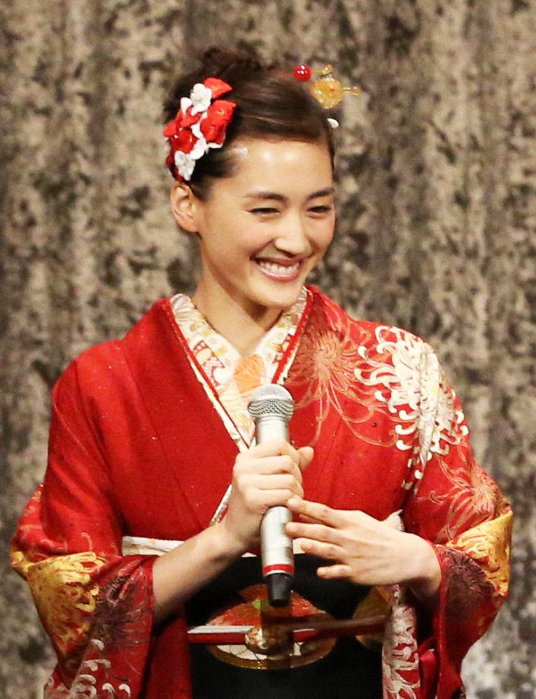 「紅白」令和初の司会決定 2年連続の櫻井翔&4年ぶり綾瀬はるか –