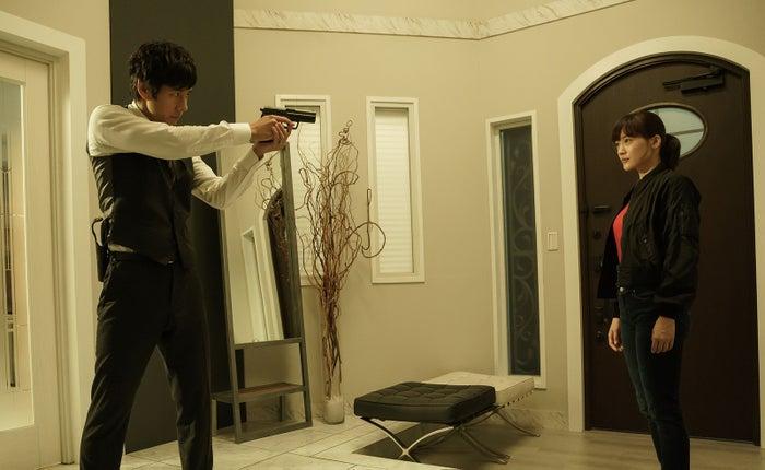 綾瀬はるか&西島秀俊「奥様は、取り扱い注意」映画化決定 – モデルプ
