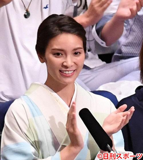 元AKB秋元才加がPUNPEEと結婚「精進して」 – 結婚・熱愛 :