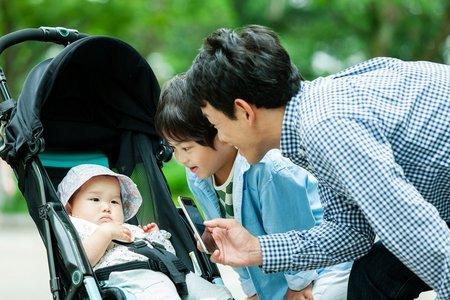 幼児の車内置き忘れ事故の悲劇、「やっぱり父親じゃダメ」と言わないで!(LIMO)