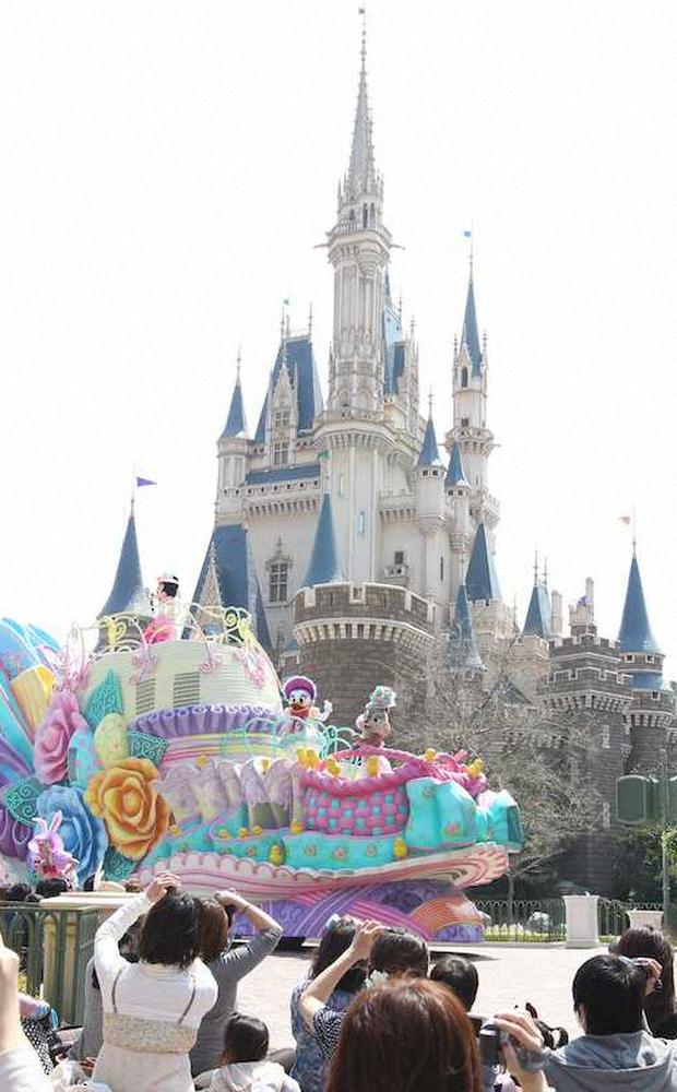 """東京ディズニー""""新様式""""で7・1再開 入場者数制限、待ち時間の列もソーシャルディ"""