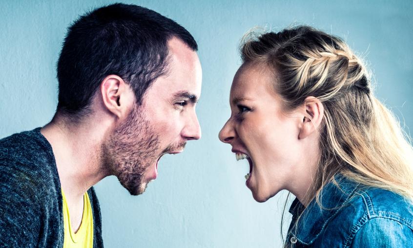 夫婦喧嘩を誰に相談していますか?